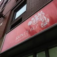 Foto tirada no(a) Saint's Alp Teahouse por Seth P. em 6/9/2012