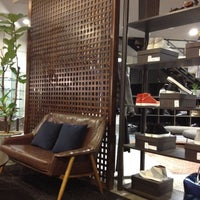 Foto diambil di John White cafe oleh Hwaz P. pada 3/27/2012