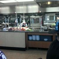 Foto tomada en DeNaples Fresh Food Company (University of Scranton) por Jack J. el 4/16/2012
