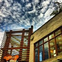 Foto tirada no(a) Villa Bahia Casa de Pães por Albino P. em 3/11/2012
