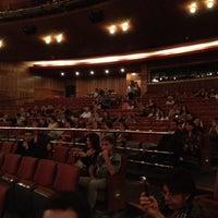 Foto tirada no(a) Teatro Alfa por Bruno R. em 4/21/2012