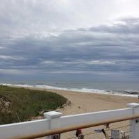 Снимок сделан в Sloppy Tuna пользователем Kevin C. 9/9/2012