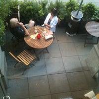 Foto tirada no(a) Poco Wine + Spirits por Gyu Young J. em 7/8/2012