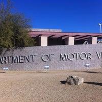 Foto tirada no(a) State of Nevada Department of Motor Vehicles por peter p. em 1/3/2012