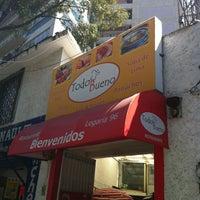 Photo prise au Todo Bueno par Ignacio V. le10/28/2011