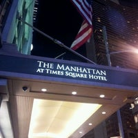 Photo prise au The Manhattan at Times Square Hotel par Warren B. le11/7/2011