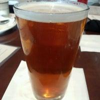 Снимок сделан в Newport Bay Restaurant пользователем Takafumi O. 6/19/2012