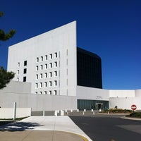 รูปภาพถ่ายที่ John F. Kennedy Presidential Library & Museum โดย Ron J. เมื่อ 4/3/2012