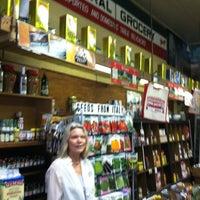 Foto tomada en Central Grocery Co. por DeGustibus el 5/23/2012