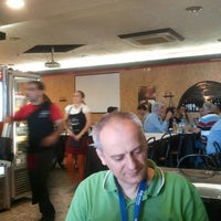 Foto tirada no(a) Restaurante O Fumeiro por Miguel G. em 6/3/2011