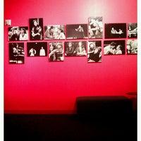 Foto tirada no(a) Steppenwolf Theatre Company por Dayna em 12/23/2011