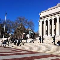 Foto scattata a Low Steps - Columbia University da Elspeth S. il 12/1/2011