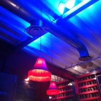 Foto tomada en i Latina Restaurante por Lu R. el 10/20/2011