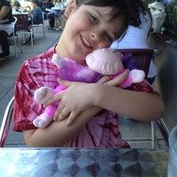 5/19/2012 tarihinde Marci H.ziyaretçi tarafından 5 Napkin Burger'de çekilen fotoğraf