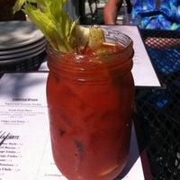 8/18/2012 tarihinde Jamie M.ziyaretçi tarafından Moonshine'de çekilen fotoğraf