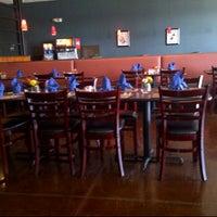 Das Foto wurde bei Blue Mint Thai & Asian Cuisine von Chris R. am 11/13/2011 aufgenommen