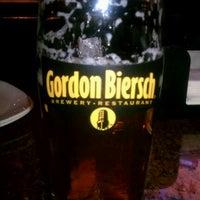 Foto tomada en Gordon Biersch Brewery Restaurant por Crystal L. el 3/10/2012