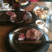 7/26/2011にNate B.がLindey's Prime Steak Houseで撮った写真