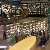 Photo prise au Livraria Cultura par Suleny F. le7/18/2012