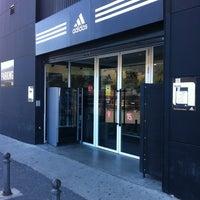 Además cerrar Humilde  adidas Outlet Store Mora - 5 tips de 198 visitantes