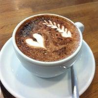 Photo prise au Boréal Coffee Shop par Yannis J. le4/14/2012
