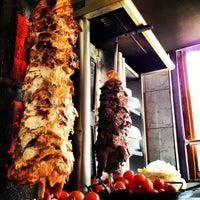 7/23/2012 tarihinde Esteban D.ziyaretçi tarafından Döner Kabab'de çekilen fotoğraf