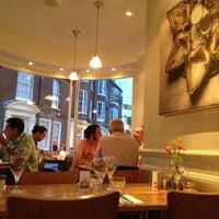 Foto diambil di Food For Friends oleh Sandra S. pada 9/2/2012