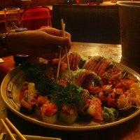Foto tirada no(a) Mirai Japanese Cuisine por Patricia Aude em 2/24/2012