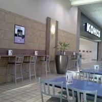 Foto scattata a Rogue Valley Mall da Fred B. il 10/20/2011