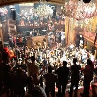 Foto scattata a Opera Nightclub da Ryan B. il 4/21/2012