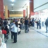 Foto tirada no(a) Registro Civil por Hugo M. em 9/3/2012