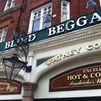 Foto tomada en The Blind Beggar por Keith M. el 8/10/2011