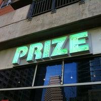 รูปภาพถ่ายที่ PRIZE: An Urban Department Store โดย Lisa B. เมื่อ 3/23/2011