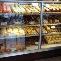 7/10/2012에 Steve G.님이 Liliha Bakery에서 찍은 사진