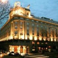 Das Foto wurde bei Hotel Wellington von Eric R. am 7/2/2012 aufgenommen