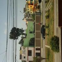 6/11/2012 tarihinde Nicole Q.ziyaretçi tarafından Parque 9 - Virgen del Carmen'de çekilen fotoğraf