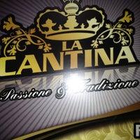 Foto scattata a La Cantina da Alchimista Bistrot E Mescole S. il 4/25/2012