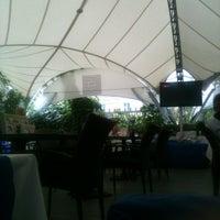 Das Foto wurde bei Castle Grill von Lena.T am 7/27/2012 aufgenommen