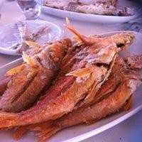 Foto scattata a Cunda Deniz Restaurant da CaN Z. il 8/4/2012