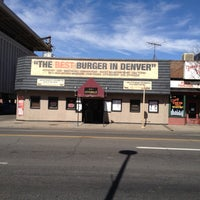 Foto tomada en City Grille por Keith C. el 3/24/2012