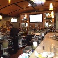 Foto tomada en Cantina Laredo por Crystal M. el 3/10/2012