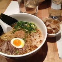 Foto tirada no(a) Momofuku Noodle Bar por Patricia em 5/8/2012