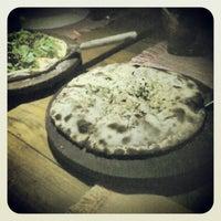 Foto tirada no(a) Pizza Do Rapha por Paula S. em 9/9/2012