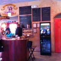 Foto scattata a Bacchus Coffee & Wine Bar da Patricia C. il 4/21/2012