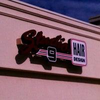 รูปภาพถ่ายที่ Studio 9 Hair Design โดย John B. เมื่อ 8/30/2011