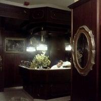 รูปภาพถ่ายที่ Hotel Urania โดย Nikita G. เมื่อ 7/25/2011