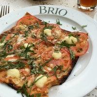 Foto tomada en Brio Tuscan Grille por Emily B. el 10/3/2011