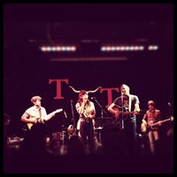 Das Foto wurde bei Tractor Tavern von FunkCaptMax am 6/27/2012 aufgenommen