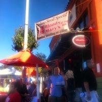 Photo prise au Cugini Restaurant par Ed V. le9/9/2012