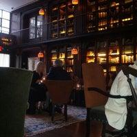 รูปภาพถ่ายที่ The NoMad Hotel โดย joanne w. เมื่อ 9/13/2012